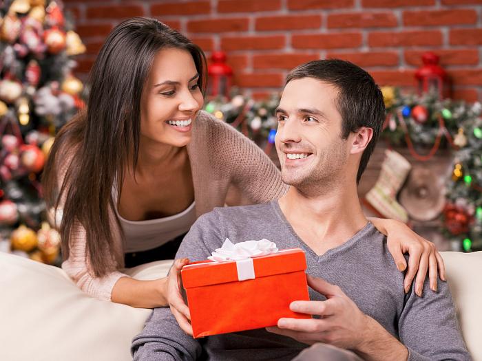 Что подарить парню на первое совместное Рождество